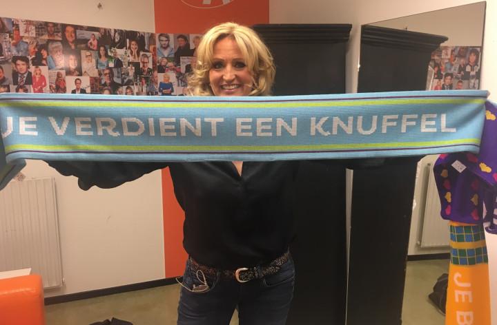 """Natasja Froger: """"Help mee de sjaal nóg langer te maken!"""""""