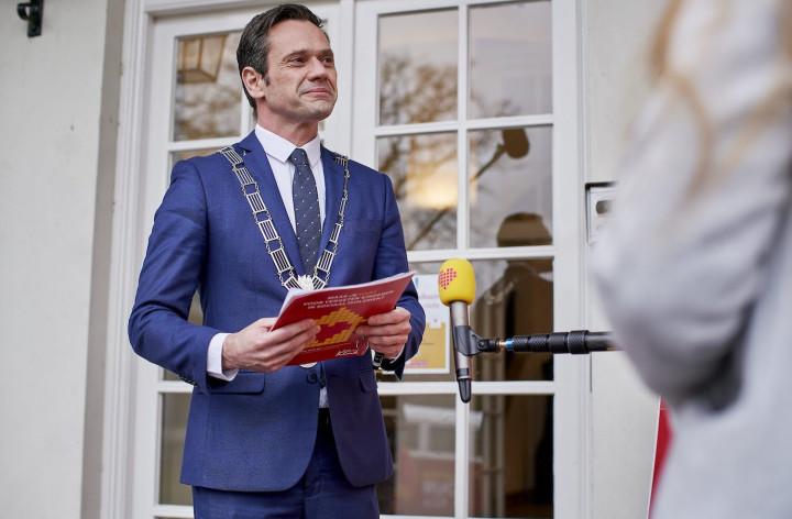Stichting Het Vergeten Kind in gesprek met burgemeester…