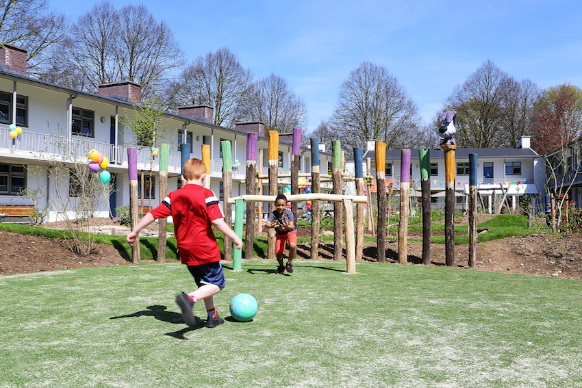 Het Vergeten Kind - Xonar voetbalveld