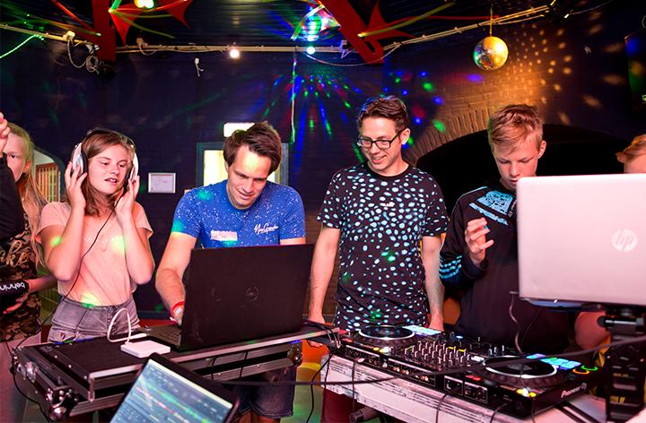 Heppie Factory - DJ